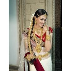 Vidya Balan white red black saree: Ref B627