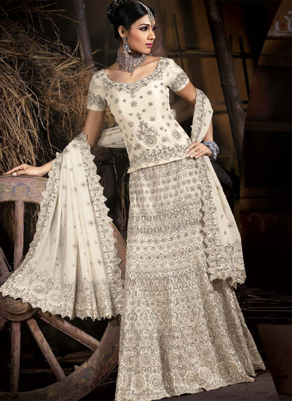 Cream silver indian bridal lengha ref 551 for Most expensive wedding dress in india